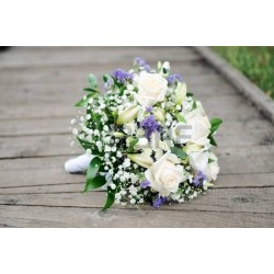 Bruidsboeket white purpel